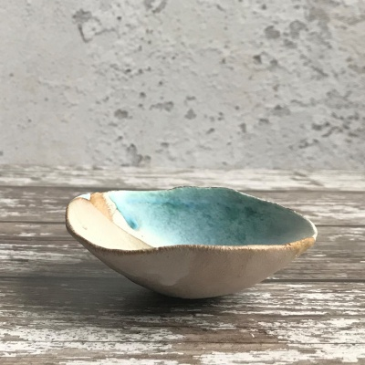 Small seashell bowl in buff clay